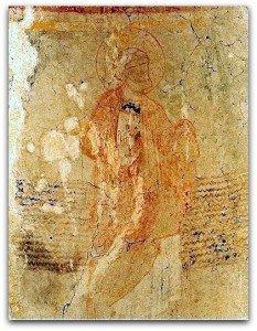 Ondulations au mur de l'abside de Parçay-Meslay prés de Tours.