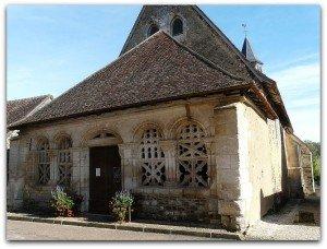 Porche gothique de Moutiers