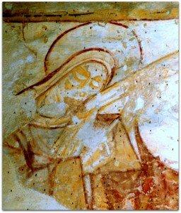 Marie penchée sur la main de son fils