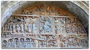 Polychromie du portail occidental de Conques
