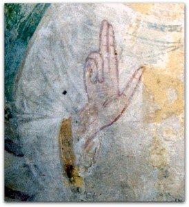 Main du Christ de l'absidiole sud