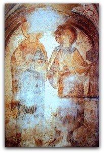 Saints tenant des couronnes à la crypte