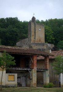 l'église de Vals surplombant le village