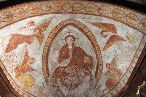 Vue d'ensemble de la fresque tapissant la voute de l'abside principale
