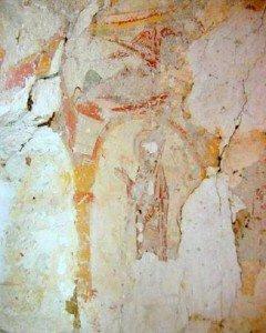 St Paul sous une arcade portant l'épée et au dessus les restes d'un ange