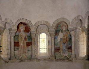 Deux saintes femmes aux arcatures centrales