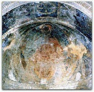 Fresque à la voute de l'abside de la cathédrale gothique de Nevers(milieu des années 80,avant restauration)